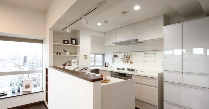 開放的で明るいキッチン