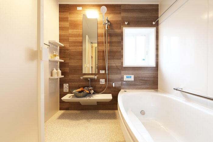 暖かさ抜群の大人な雰囲気のあるバスルーム